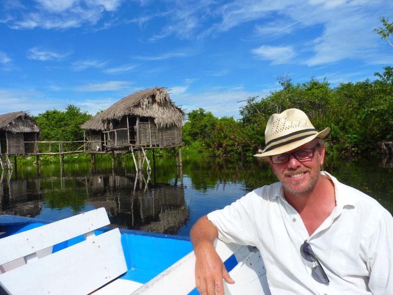 Exploring-the-mangroves-in-San-Blas