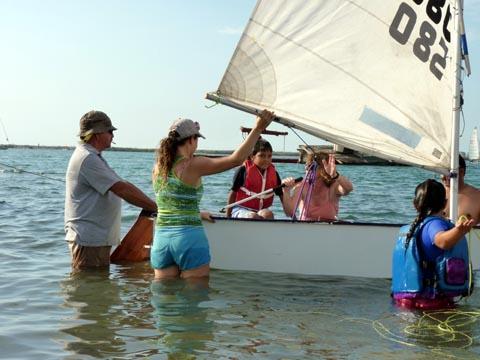 optimist-sailing-school-in-la-paz